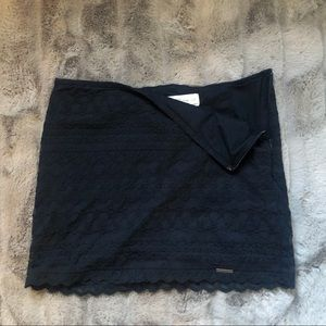 ABERCROMBIE & FITCH | Crochet Lined Skirt